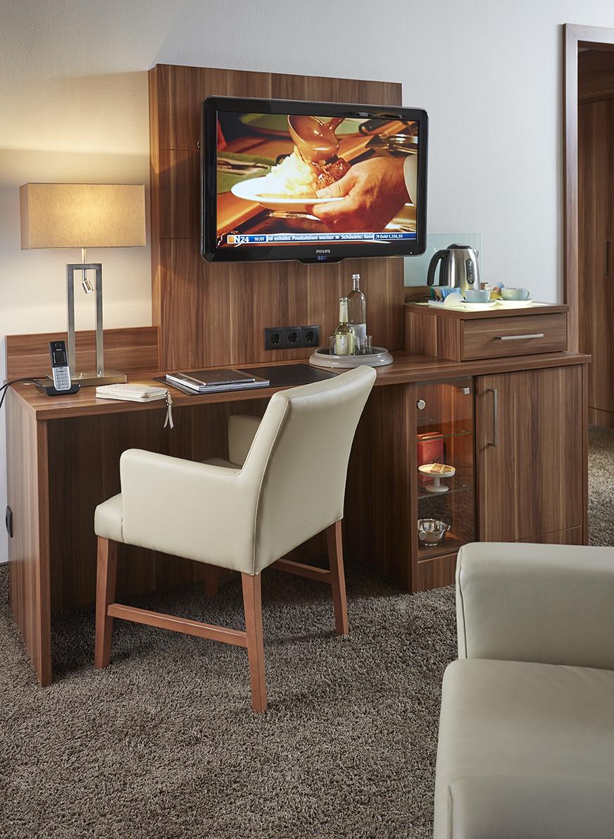 Schreibtisch mit Stuhl für Hotels