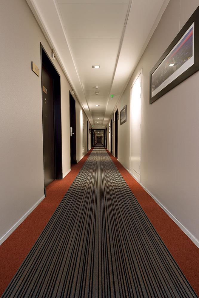 Teppichboden in Hotelflur