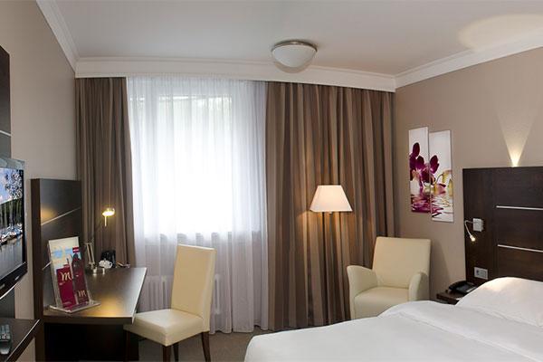 Hotelzimmer Weitwinkel