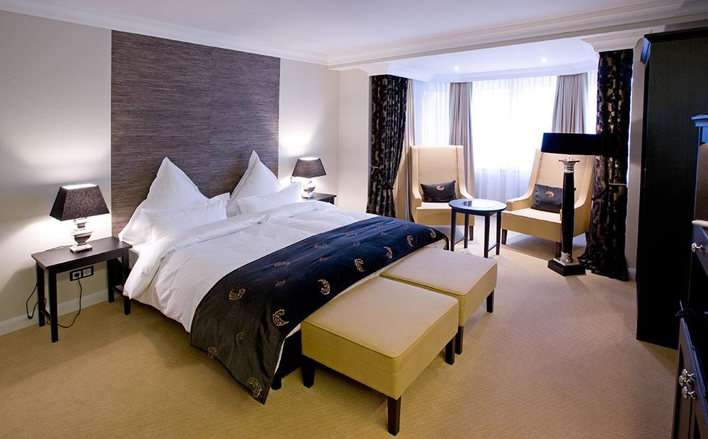 Elegante Hotelzimmereinrichtung