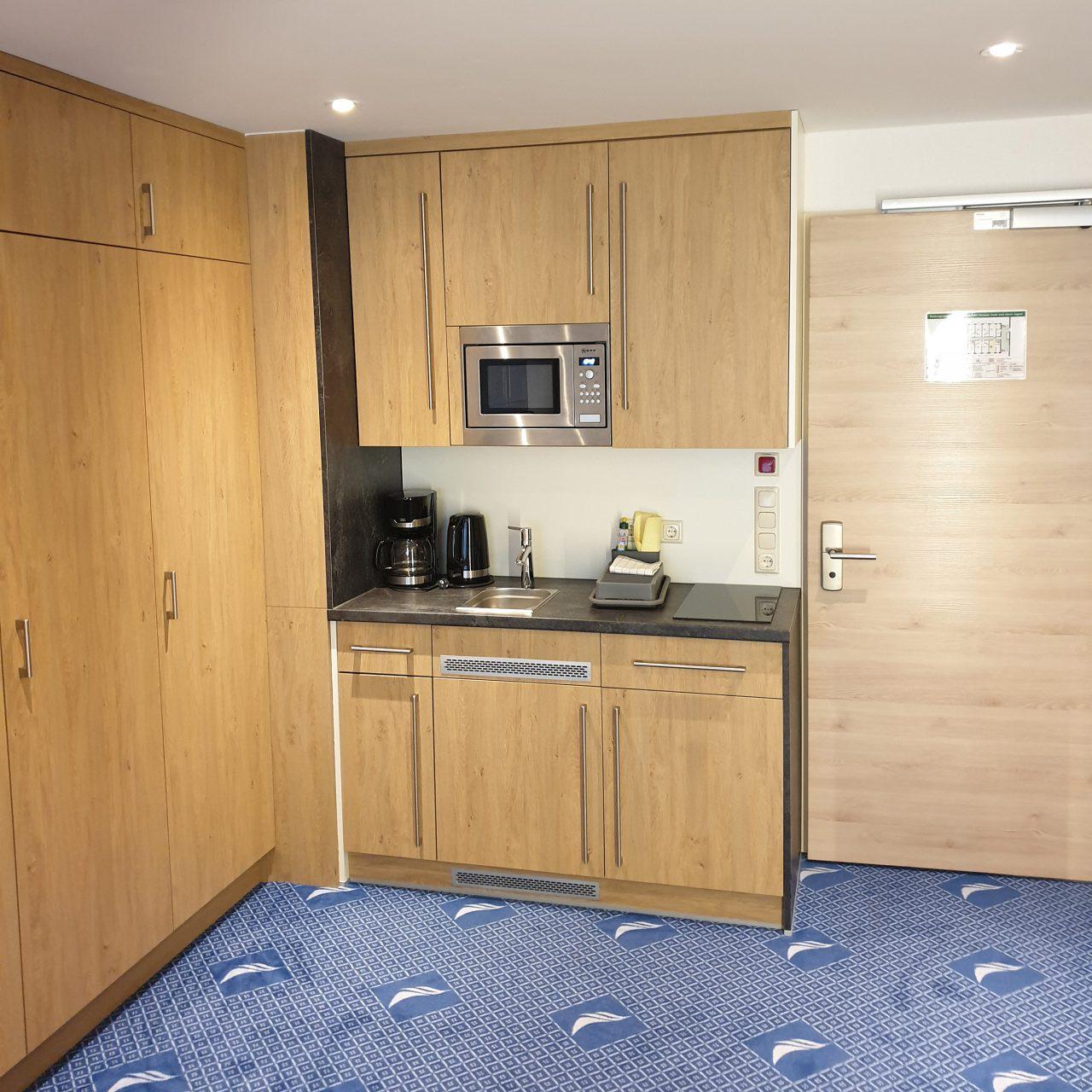 Kleine Küche in Hotelzimmer im Hotel Seeklause