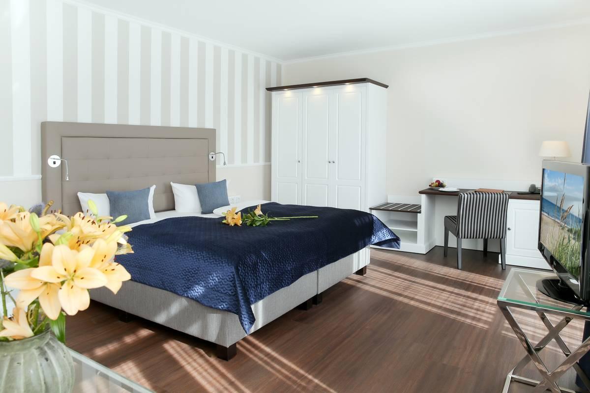 Schicke Hotelzimmereinrichtung im Seeschloss Kühlungsborn